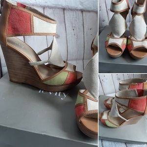 Levity suede wedges size 6.5